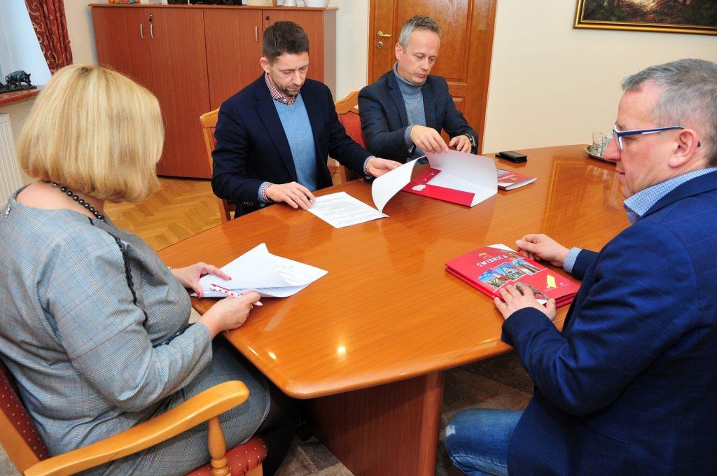 podpisanie umowy sponsorkiej